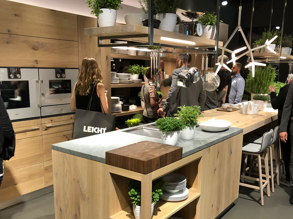 Max&Moris posjetio Salone del Mobile Eurocucina - trend u uređenju kuhinja drvo, metal, beton